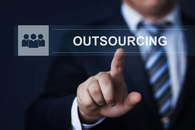 Situations_When_you_Should__Should_NOT_Outsource