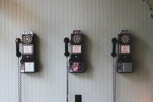 old-phones-telephones.jpg